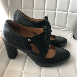 Clark's heels